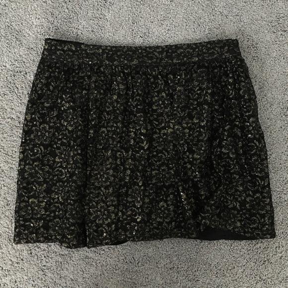 Forever 21 Dresses & Skirts - Forever 21 Sparkly Black and Gold Skirt